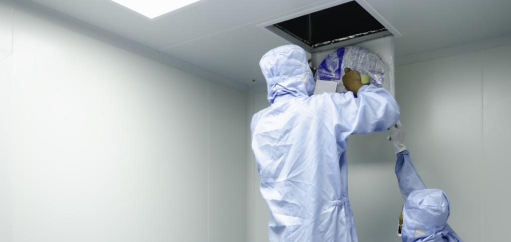 Covid 19 wird wohl auch durch Aerosole übertragen. HEPA-Filter können für saubere Luft sorgen. Worauf ist bei ihrem Einsatz gegen SARS-CoV-2 zu achten